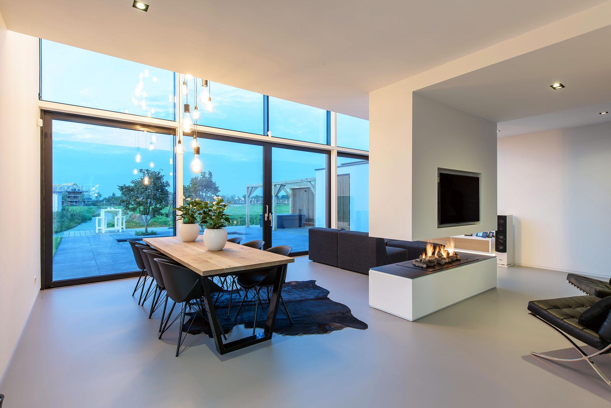JURY-House008-interieur-haard-vide-01