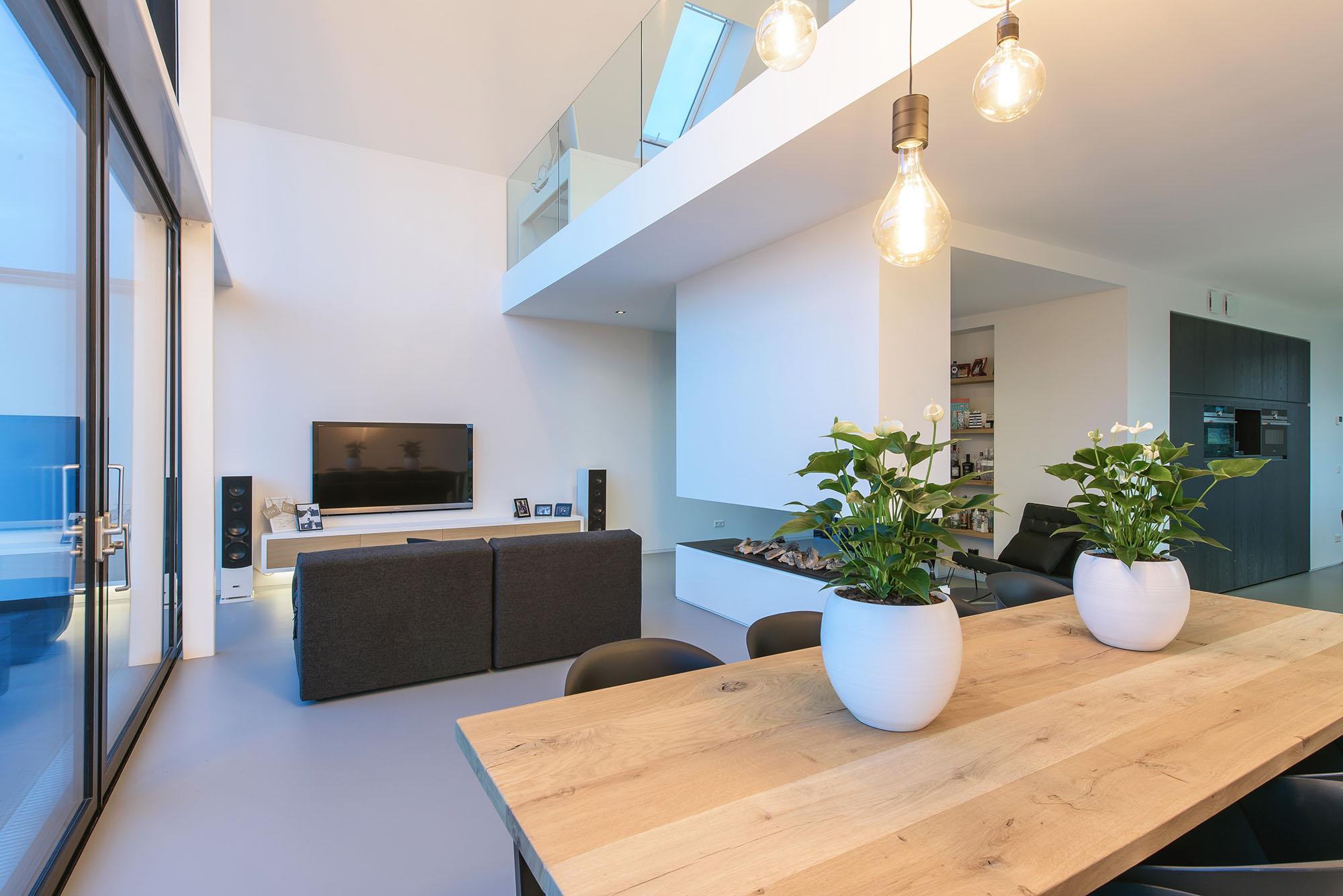JURY-House008-interieur-haard-vide-03
