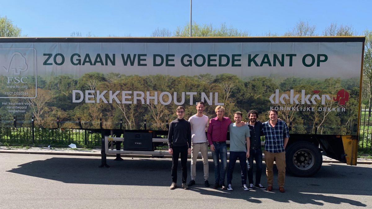 Bedankje naar aanleiding van bedrijfsexcursie bij Koninklijke Dekker Hout